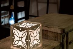 プレス端材を和紙に漉き込んだ照明
